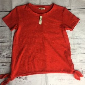 Made well knotted sides t shirt XS